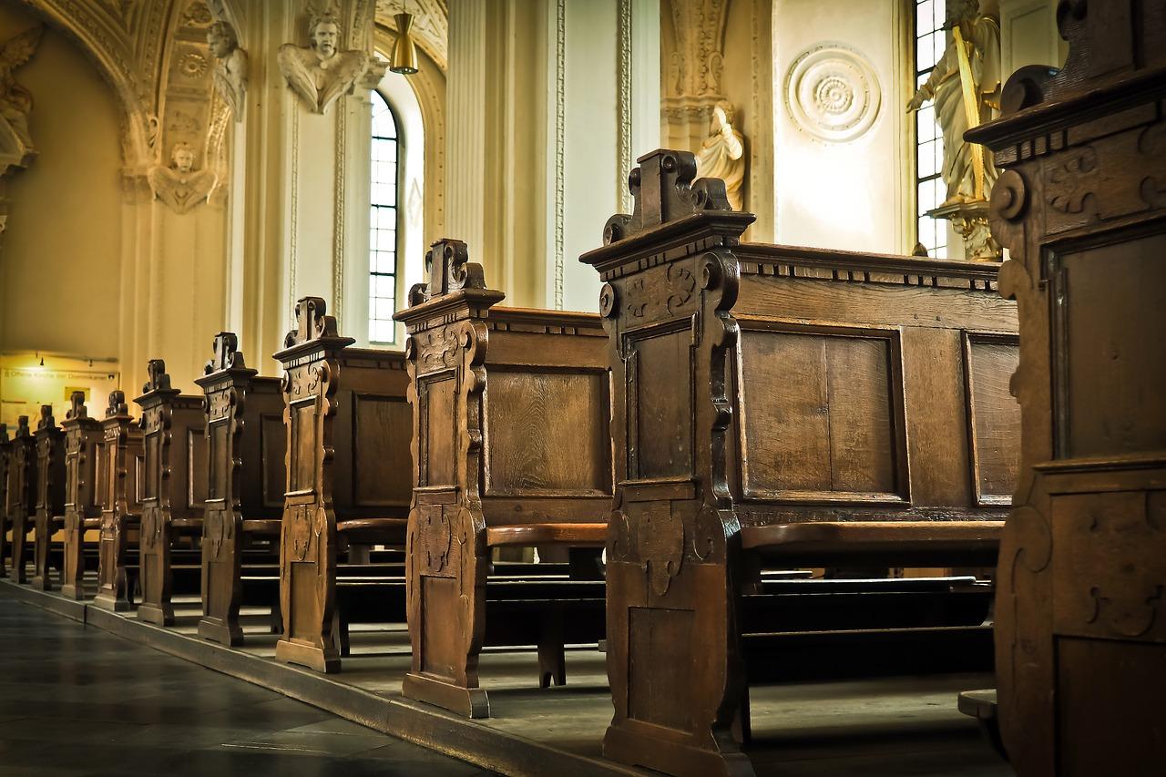 Kirchensteuer e Kirchgeld, ovvero le imposte ecclesiastiche in Germania: quanto costano e come uscirne.