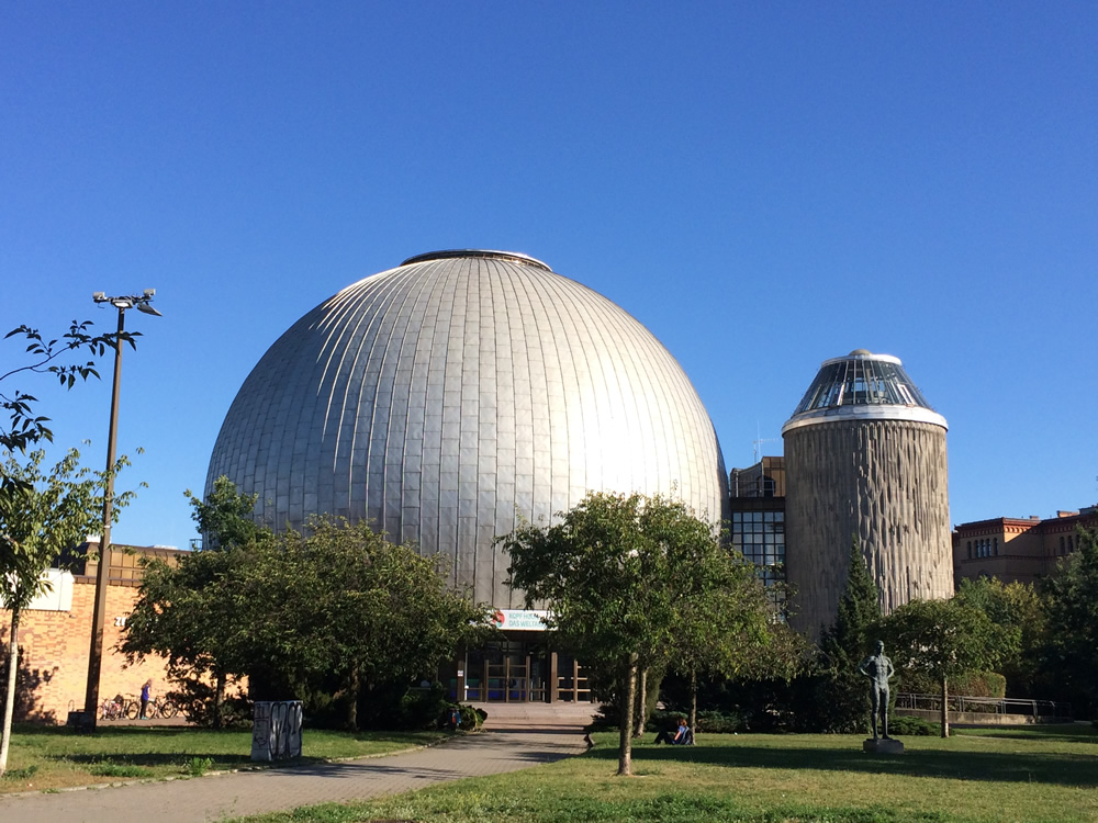 Riapre il Planetario di Berlino.