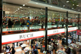 In giro per Dussmann, il centro commerciale della cultura a Berlino