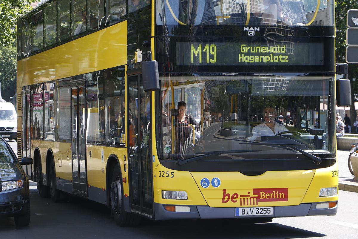 Dal 1 agosto nuove tariffe BVG per gli scolari berlinesi. Sparisce il tesserino  della BVG. Chi riceve sussidi viaggerà gratis.