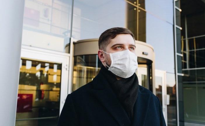 Nessuna restrizione di contatto ma multe per chi va senza mascherine sui mezzi